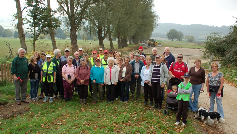 The walkers lined up and ready for the off!